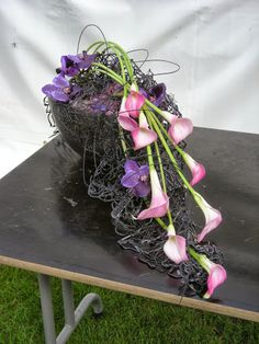 Alden Biesen - Fred Verweij - Álbuns da web do Picasa Grave Decorations, Flower Decorations, White Floral Arrangements, Flower Arrangements, Ikebana, Funeral Flowers, Wedding Flowers, Memorial Flowers, Sympathy Flowers