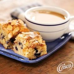 Blueberry and White Chocolate Chip Coffee Cake from Crisco® #Breakfast #Brunch