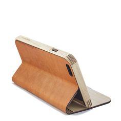 Maple & Leather Iphone Case - Gennemført og funktionel. Eneste case jeg har set der ikke forringer iphonens design, og tilmed tilføjer funktionalitet.