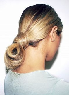 Sleek Twisted Bun – Beauty Ideas, New Years Eve Hair & Makeup