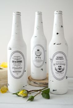 DIY Distressed Bottles project by Dreams Factory for The Graphics Fairy. Free French Printable included!