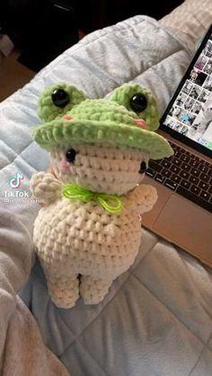 Diy Crochet Projects, Crochet Crafts, Yarn Crafts, Crochet Toys, Knit Crochet, Kawaii Crochet, Cute Crochet, Easy Crochet, Crochet Animal Patterns