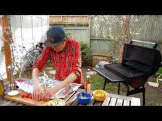 Poisson en papillotte au BBQ - Bob le Chef - YouTube Tilapia, Picnic Blanket, Outdoor Blanket, Le Chef, Bob, Healthy Recipes, Pisces, Kitchens, Bucket Hat