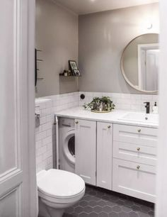 32 Inexpensive Tiny Laundry Room Design Ideas - Common Decorating for a Fresh Look Tiny Laundry Rooms, Laundry Room Bathroom, Upstairs Bathrooms, Laundry Room Design, Bathroom Design Small, Downstairs Bathroom, Bathroom Interior Design, Kitchen Design, Bad Inspiration