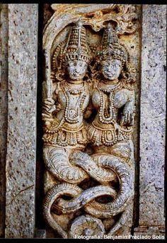 Naga y Nagini, Bhuvanesvar, India