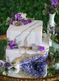 What a unique rare-earth/mineral design for a wedding cake! Unique Wedding Cakes, Beautiful Wedding Cakes, Wedding Cake Designs, Wedding Cupcakes, Perfect Wedding, Wedding Planning Tips, Wedding Tips, Wedding Day, Witch Wedding