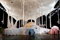 "Ernesto Neto is a contemporary visual artist born in Rio De Janeiro, Brazil. His installations are often described as ""beyond abstract minimalism. Modern Art, Contemporary Art, Architectural Sculpture, Inspiration Art, Visual Diary, Art Abstrait, Weird Art, Land Art, Installation Art"