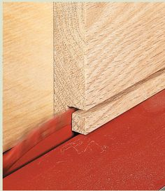 Table Saw Tricks For Making Vertical Cuts: Using the table saw to shape the edges of a workpiece is a snap with a couple of easy-to build accessories and simple techniques. Woodworking Jig Plans, Woodworking Table Saw, Woodworking Techniques, Woodworking Furniture, Woodworking Crafts, Table Saw Sled, Table Saw Fence, Diy Table Saw, Make A Table