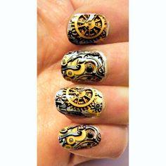 Steampunk Pocket Watch Clockwork Golden Gears Nail Art Nails Men or Women Manicure via Etsy - Crazy and so cool looking 1 Simple Nail Art Designs, Gel Nail Designs, Cute Nail Designs, Steampunk Nails, Steampunk Cosplay, Steampunk House, Steampunk Fashion, Nail Art Diy, Easy Nail Art