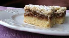 Prajitura cu miere, cacao si nuca (tavalita) | Pleziruri Krispie Treats, Rice Krispies, Romanian Food, Romanian Recipes, Food Cakes, Cake Recipes, Cheesecake, Desserts, Cakes
