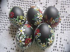 Set of 3 Red Hand Decorated Madeira Colours Painted Chicken Easter Egg, Traditional Slavic Wax Pinhe Easter Gift, Easter Crafts, Easter Paintings, Egg Shell Art, Diy And Crafts, Arts And Crafts, Carved Eggs, Some Bunny Loves You, Plastic Easter Eggs