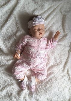 Items similar to Hand Knit Baby Set Knitted baby clothes Knitted pink girl romper for newborn Knitted headband Baby girl coming home outfit Newborn Layette on Etsy Silicone Reborn Babies, Reborn Baby Dolls, Headband Baby, Knitted Headband, Baby Patterns, Knitting Patterns, Baby Knitting, Crochet Baby, Knitted Baby Clothes