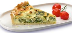 Philadelphia Spinach Quiche - I'd use a wholewheat wrap for the crust and bake it for 10 mins before adding the mixture so there's no soggy bottom! Foods For Healthy Skin, Healthy Meal Prep, Vegetarian Cooking, Vegetarian Recipes, Cooking Recipes, Swiss Cheese Quiche Recipe, Oven Baked Eggs, Spinach Egg, Quiche Recipes