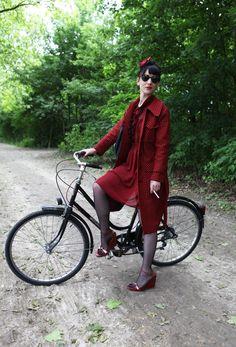 beret-baguette-paris-bike-pretty-street-style-bike-fashion-photo-Kelly-Miller-16