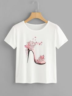 SheIn offers High Heels Print Tee & more to fit your fashionable needs. Hand Painted Dress, Paint Shirts, T Shirt Painting, T Shirt World, Painted Jeans, Girls Tees, T Shirt Diy, T Shirts For Women, Clothes For Women
