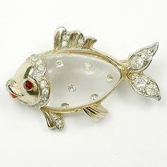 Coro Jelly Belly Spangled Fish Pin
