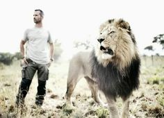 Kevin Richardson - The Lion Man Kevin Richardson, Wolves And Women, Dog Behavior, Beautiful Cats, Animals Beautiful, Big Cats, Beautiful Creatures, Animal Photography, Animals And Pets