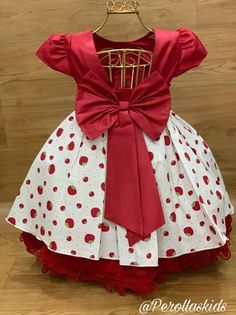 Baby Girl Dress Patterns, Baby Dress Design, Baby Clothes Patterns, Dresses Kids Girl, Kids Outfits Girls, Cute Dresses, Girl Outfits, Kids Gown, Baby Girl Fashion