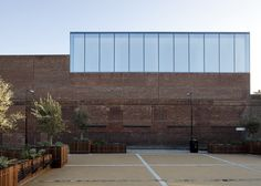 Completed in 2011 in London, United Kingdom. Images by Ben Blossom, Jim Stephenson, CFA. Sir Anish Kapoor's studio has been present on a South London street for 20 years. Since 2010 the artist with CFA have collaborated on the. Factory Architecture, Space Architecture, Amazing Architecture, Architecture Details, Anish Kapoor, Architects London, Brick And Mortar, London Street, Gallery