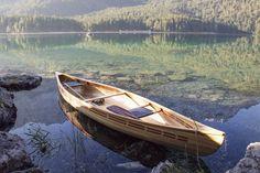 #eibsee #lakeeibsee #bavaria #paddleyourowncanoe #stripcanoe #woodenboat…