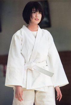 Listen to every track @ Iomoio Short White Hair, Girl Short Hair, Short Girls, Short Hair Cuts, Short Hair Styles, Martial Arts Styles, Martial Arts Women, Angie Everhart, Asian Cosplay