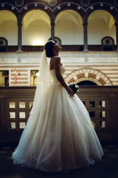 This gorgeous bride who knew classics are classics for a reason: | 29 City Hall Weddings That Prove Less Is More