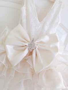 Elfenbein Blumenmädchen Kleid ANGELA von IsabellaCoutureShop