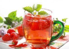Căpșune în băuturi detoxifiante care ajută la slăbit