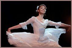 Ekaterina Krysanova as Marie in Act 1 of the Bolshoi Ballet's Nutcracker. Photo by Yekaterina Vladimirova