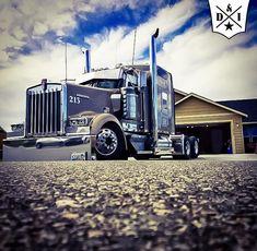 #peterbilt #largecar #truck #dieselandiron #slammed #bagged #kenworth #lowered #chrome #lowrider #diesel #cummins #cat #detroit #longhood…