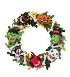 Super festive wreath - all felt, great detail.
