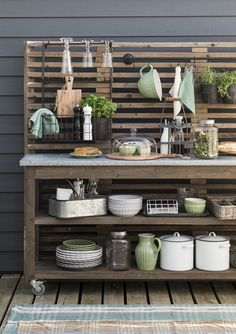 Discover recipes, home ideas, style inspiration and other ideas to try. Outdoor Kitchen Plans, Outdoor Kitchen Design, Outdoor Spaces, Outdoor Living, Outdoor Decor, Summer Kitchen, Outdoor Projects, Backyard Patio, Home And Living