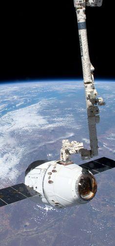 Dragon Earth ISS High resolution