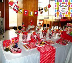 Polka Dots | Party Design: Candy Bar de Mickey para MATEO!