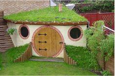 ❉ hobbit outdoor play space for kids!