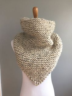 Cowl Scarf, Knit Cowl, Knit Crochet, Crochet Granny, Knitted Cowls, Loom Knitting, Knitting Patterns Free, Crochet Patterns, Free Pattern