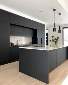 Organizing the kitchen can be hugely beneficial, as it makes life in the kitchen easy. Below we will discuss 10 clever ways to organize your kitchen. Modern Kitchen Cabinet Design, Minimal Kitchen Design, Contemporary Kitchen, Kitchen Inspiration Design, Grey Kitchen Designs, Home Decor Kitchen, Kitchen Room Design, Kitchen Interior, Kitchen Furniture Design