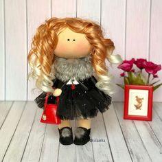 Хотите эксклюзив?! То вам ко мне🤗 ⠀ Здесь нет одинаковых штампованных кукол. Они все неповторимы! Потому что они портретные!☝🏻ведь каждый человек уникален #кукла #куклымосква #назаказ #своимируками #хэндмейд #рукоделие #творчество #мастерица #куклы #интерьернаякукла #куклаизткани #куклаинтерьерная #своимируками #подарок #подарокнанг #новогоднеенастроение #рыжая #бестыжая #мимими #цветнастроениярыжий #нетакаякаквсе #нетаккакувсех #эсклюзив #праздниккнамприходит Red Dolls, Christmas Ornaments, Holiday Decor, Christmas Jewelry, Christmas Decorations, Christmas Decor