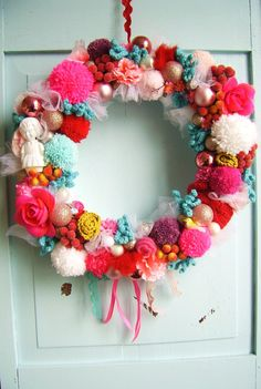 Candy coloured Christmas wreath van SillyOldSuitcase op Etsy, $48,50