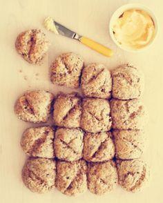 St Patrick's Day Irish Soda Bread, St Patrick's Day baked goods, St Patrick's Day dessert idea  #st #patricks #food #dessert #ideas #recipe www.loveitsomuch.com