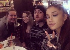 Ariana Grande and Mac Miller with fans at a restaurant in Los Angeles, CA. Mac Miller And Ariana Grande, Ariana Grande Mac, Ariana Grande Boyfriend, Bae, Cat Valentine, Big Sean, Dangerous Woman, Boyfriends, Couple