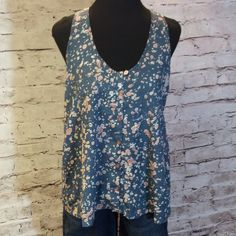 ❌FINAL PRICE❌SZ LG FOREVER 21 SEMI SHEER TOP Pretty colors of blue and pink in a splatter pattern. Gently used Forever 21 Tops Blouses