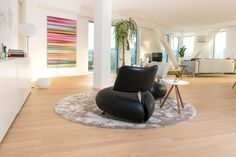 Alexander Palacios Art, Palacios Kunst, Palacios Fotografie in Basel Basel Art, Art Miami, Line Artwork, Jeff Koons, Richard Avedon, Floor Chair, Living Room, Gallery, Furniture