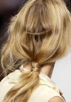 low messy ponytail runway 2016