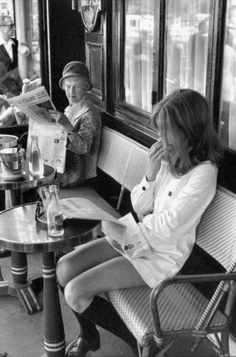 Henri Cartier-Bresson, Brasserie Lipp, Paris 1969. indieberlin loves this