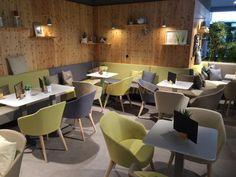 Stoličky do reštaurácie, Merkur markt