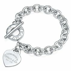 Tiffany & Co. bracelet ! Yess pleasee !