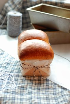 Pain Brioche (brioche bread) (Authentic recipe for brioche from a French boulangerie) - France