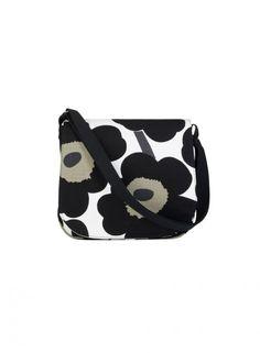 Unikko/Amapola bag my new bag! End Of Season Sale, Marimekko, New Bag, Fashion Prints, Textile Design, Flower Patterns, Diaper Bag, Fashion Accessories, Tejidos