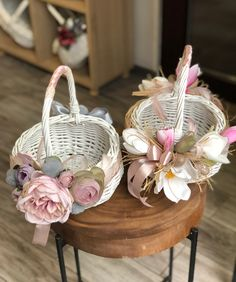 Candy Flowers, Nylon Flowers, Easter Baskets, Gift Baskets, Sweetheart Table Decor, Wedding Plates, Flower Girl Basket, Basket Decoration, Diy And Crafts